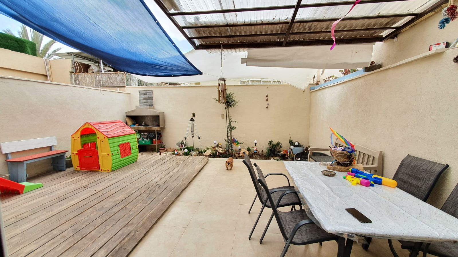 למכירה בית קרקע 3 חדרים בשכונה ה' במחיר אטרקטיבי במיוחד!